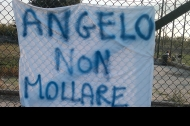 Lo striscione dedicato ad Angelo Maglionico