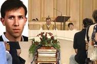 Un'immagine dei funerali di Raffaele Ditano (foto brindisitg24.it)