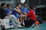 Coach Colucci dà direttive alla panchina della Technoacque (foto Chicco Saponaro)