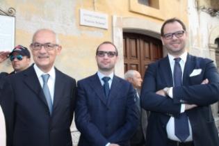 Nuova mini giunta comunale a fasano il giorno di for Angelini arredamenti fasano
